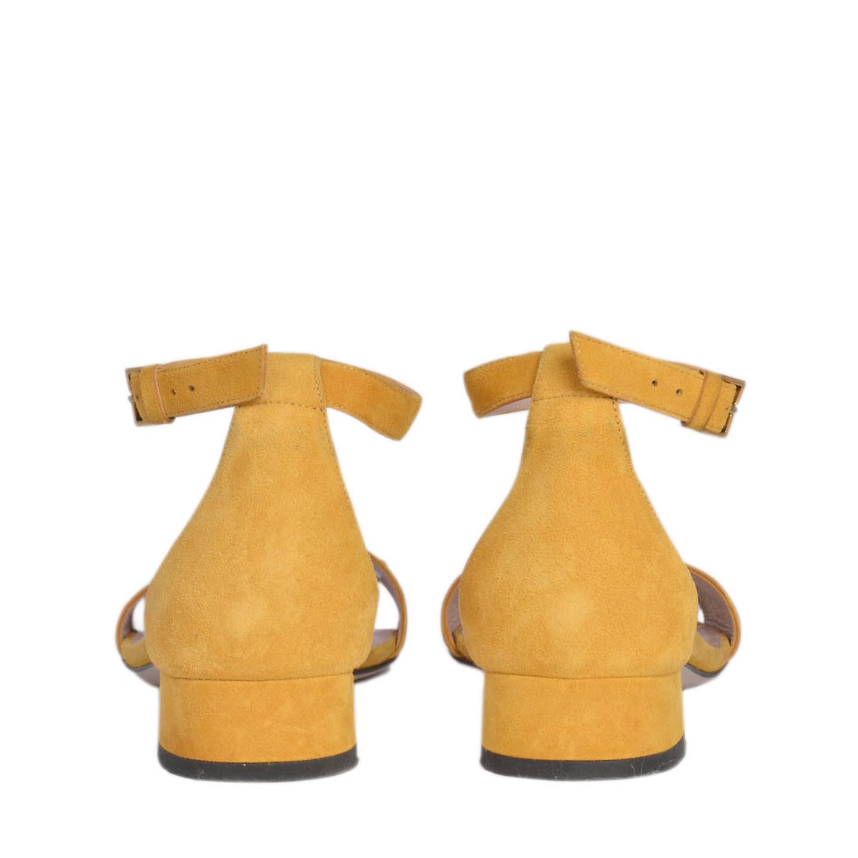 46d834446d03 Gucci Horsebit Flat Suede Sandal Size 37 - LabelCentric
