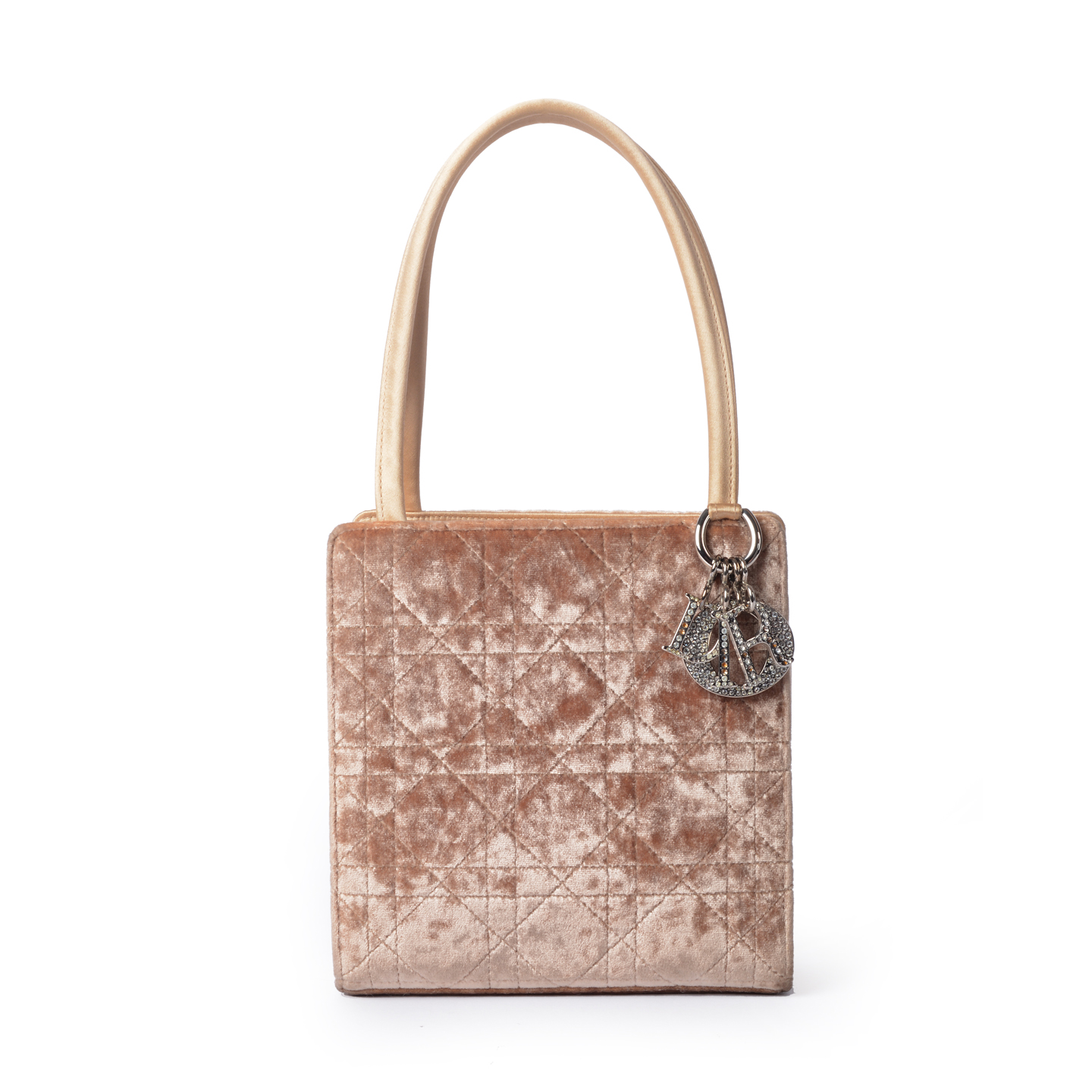 Buy Branded and Luxury Handbags for Women Online In India 6af262be70969