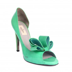 Valentino Patent D'Orsay Bow Pumps Size 38 01