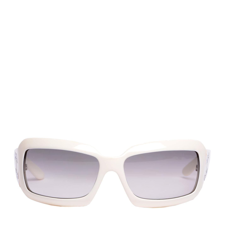 0b1de03645d Chanel White Frame Mother Of Pearl CC Logo Sunglasses 5076-H ...