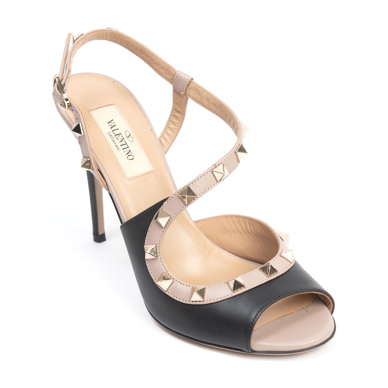 Valentino Garavani Rockstud Wave Silngback Sandals (01)